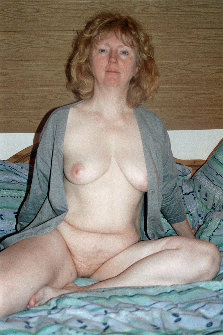 mature wives posing nude