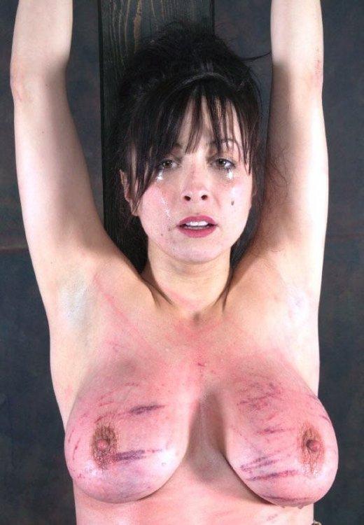 WOMAN IN PAIN 533  A.jpg