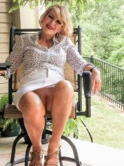 Mature Granny upskirt