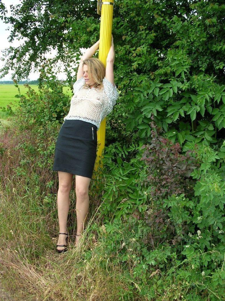 Sandra_2005_Outdoor4158.jpg
