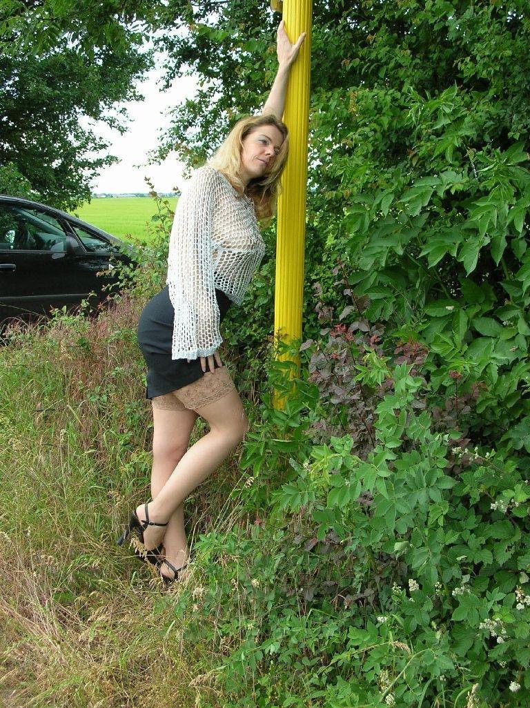 Sandra_2005_Outdoor4165.jpg