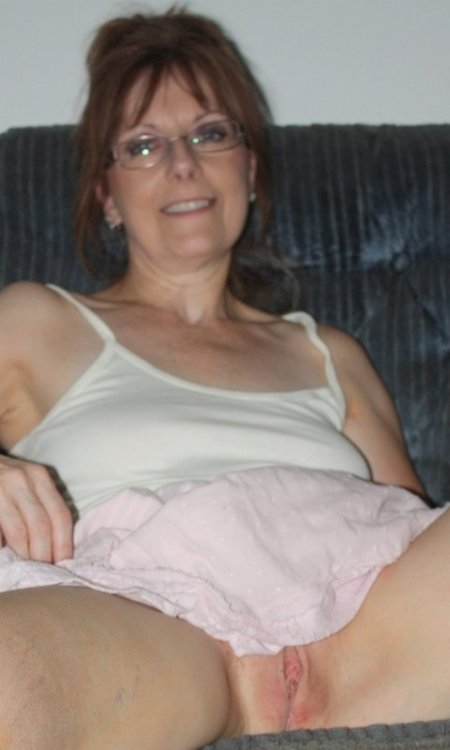Diane Mickels Proudly Shows Me Her Bruised Pussy After 2010 Jim Fuckation 018.jpg