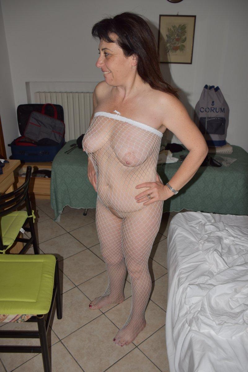 Jessica aka Ginger777 in fishnet bodystockings