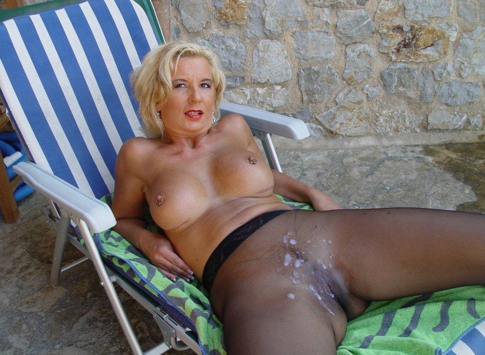 blonde_creampie_outdoors_c13.jpg