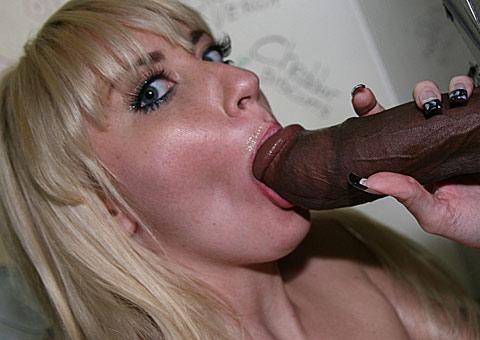 eyes_Blonde_ir_handjob_3.jpg