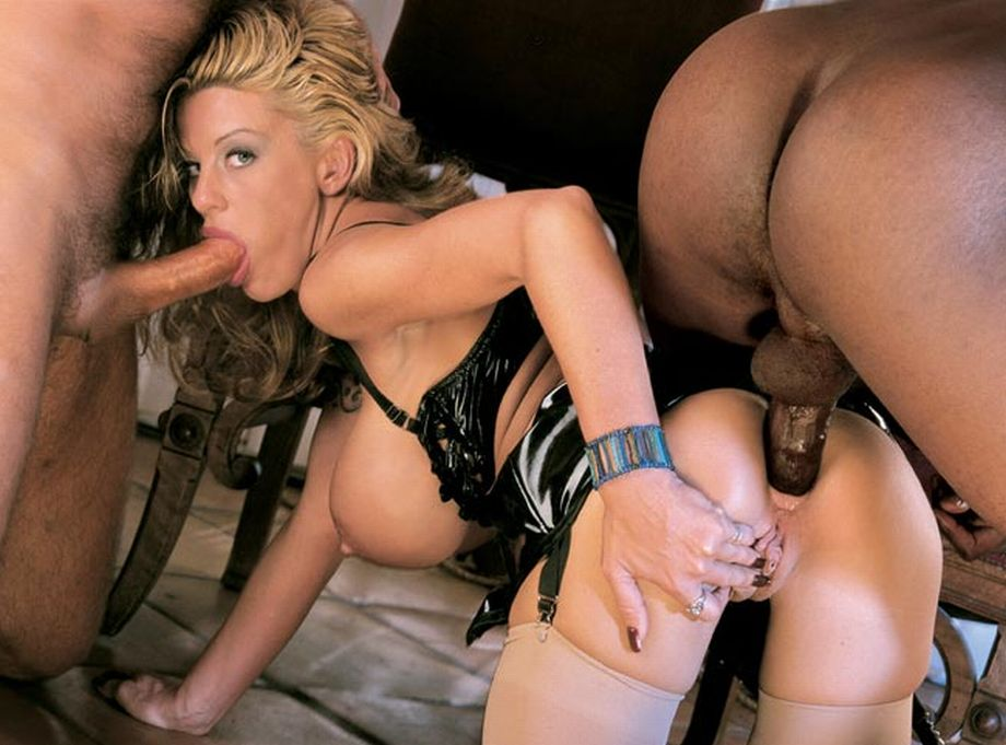 blonde_ir_anal_spitroast_nylons_54.jpg