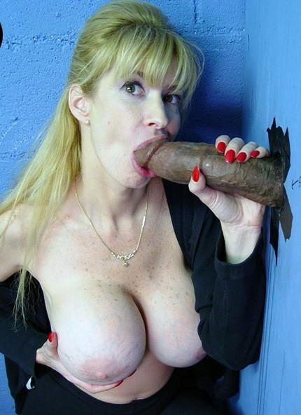 blonde_ir_handjob_gloryhole_102471079_oo0068.jpg